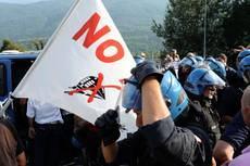 Tav:busta con proiettili a legale Torino