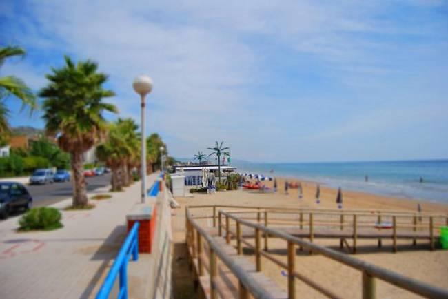 Matrimonio Spiaggia Terracina : Blitz sulla spiaggia di terracina sequestrati