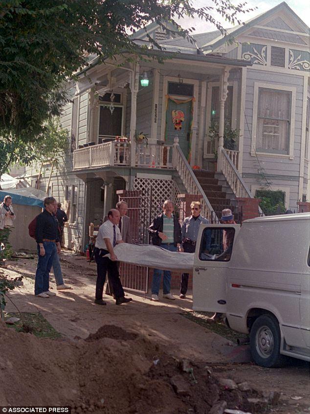 La casa della vecchietta killer diventa un'attrazione turistica (FOTO)