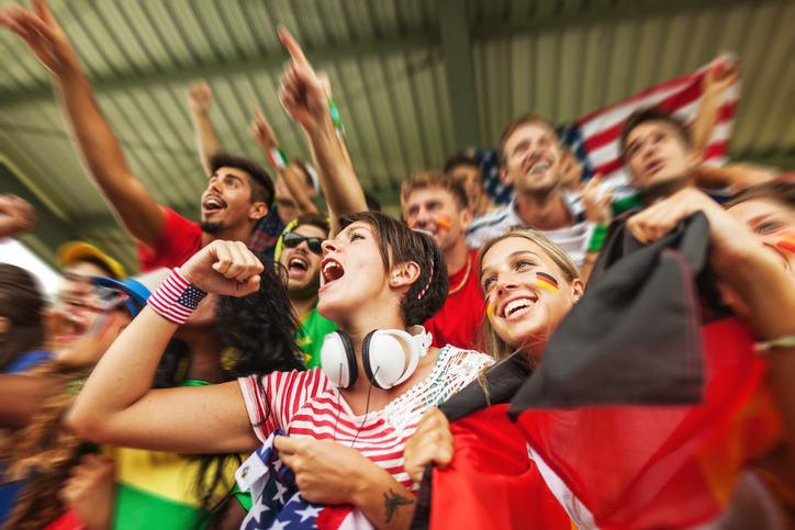 Mondiali in Russia, l'orso che consegnerà il pallone fa insorgere gli animalisti
