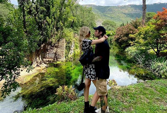 Ferragnez, Fedez svela il contenuto dei suoi messaggi con Jennifer Aniston